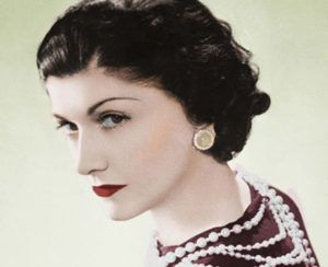 Coco Chanel, couturiËre franÁaise. Paris, 1936. Photo colorisÈe. LIP-28371