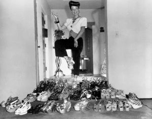 carmen miranda pile of shoes wedges raffia cork 1940s 1944