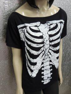 camiseta-feminina-gola-canoa-estampa-esqueleto-torax-381111-mlb20473782264_112015-f