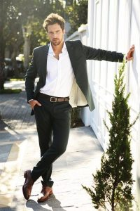 men-casual-dressing-for-wedding-as-guest