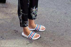 slide-sandals-summer-shoe-trend-3
